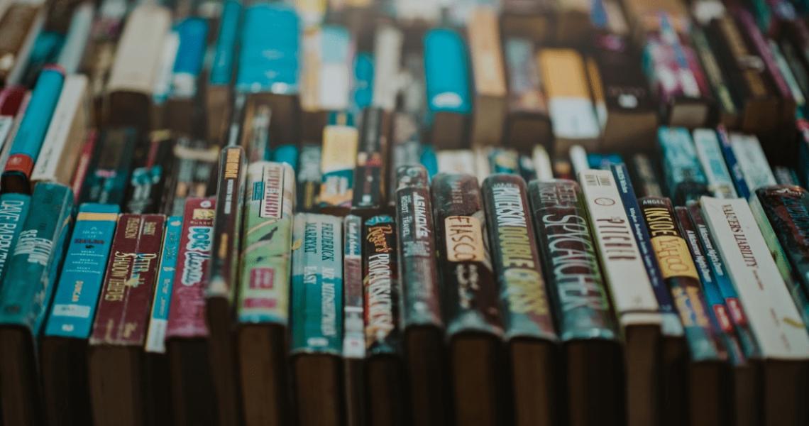 kirjallisuus, ajattelu, tutkimus, tiede, tutkitusti, kaunokirjallisuus